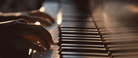 romantico il pianista senza colori di esseti cap 26 romantico il pianista senza colori di esseti cap 1 su