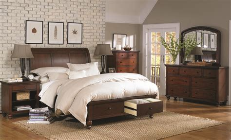 cambridge bedroom furniture aspenhome cambridge queen bedroom group belfort