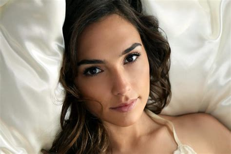 most beautiful women in the world 2017 hottest list top 10 most beautiful women in the world in 2017 toptenia