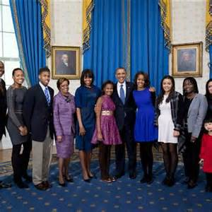 obama s obama s extended family joins him in newly released photos