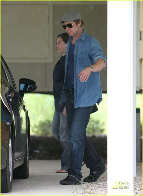 Background Check New Orleans Brad Pitt Checks Up On New Orleans Photo 2475886 Brad Pitt Pictures Just Jared