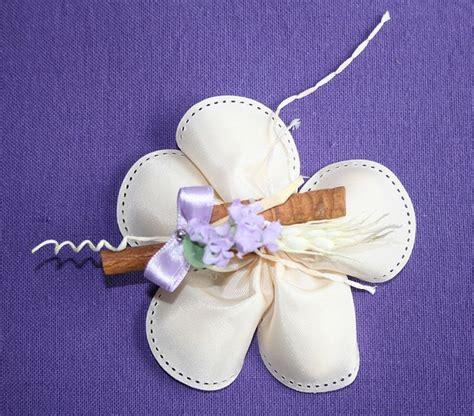 confetti a forma di fiore 17 migliori immagini su porta confetti su