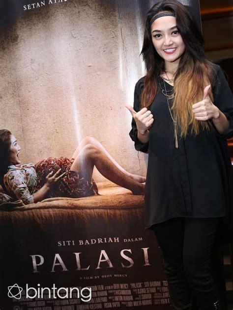 Film Horor Terbaru Siti Badriah | siti badriah terharu main film horor palasik celeb