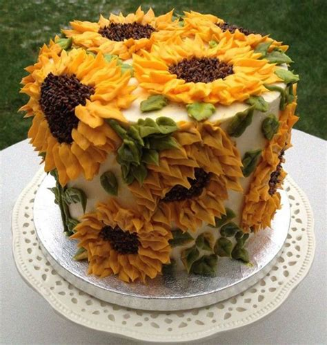 ideas to decorate a cake 25 best ideas about decorating cakes on cake