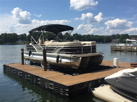 pontoon lift pontoon boat lift hydrohoist ul2 boat lift