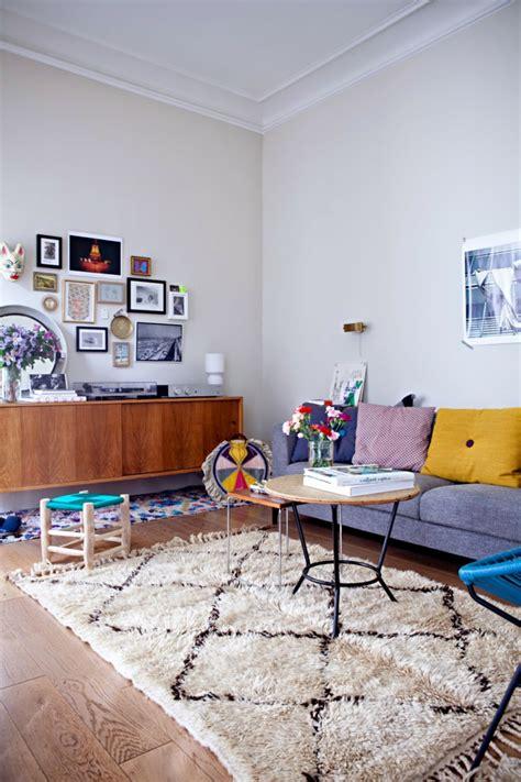 Bunte Wohnzimmermöbel by Bunter Teppich 42 Fantastische Modelle Archzine Net
