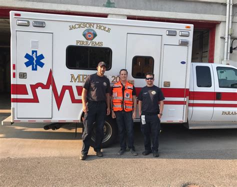Lu Emergency Ambulance united hatzalah emt saves a with local ems crew while