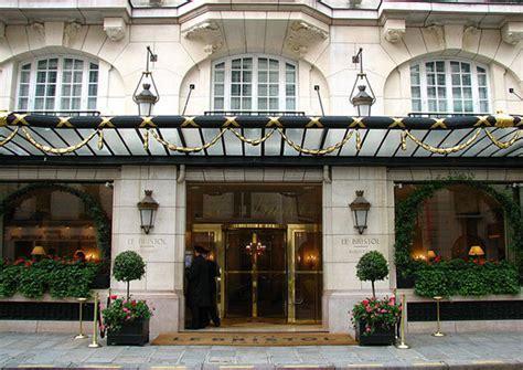 5 star hotel in paris luxury hotel four seasons george v paris luxury hotels in france best hotels in france 5 star