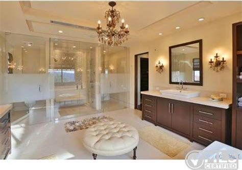 kim kardashian bathroom report kourtney kardashian buys home near justin bieber