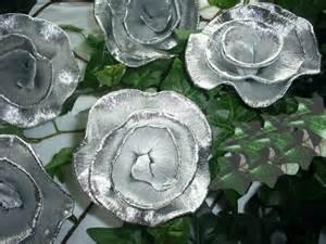 silberhochzeit dekoration 10 krepprosen ortrud alu krepppapier silberhochzeit dekoration