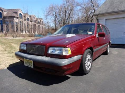 buy   volvo  base wagon  door   turbo burgendy  mi leather  flemington