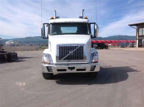 2016 volvo trucks for sale 2016 volvo vnx84t300 day cab truck for sale 2 642 miles