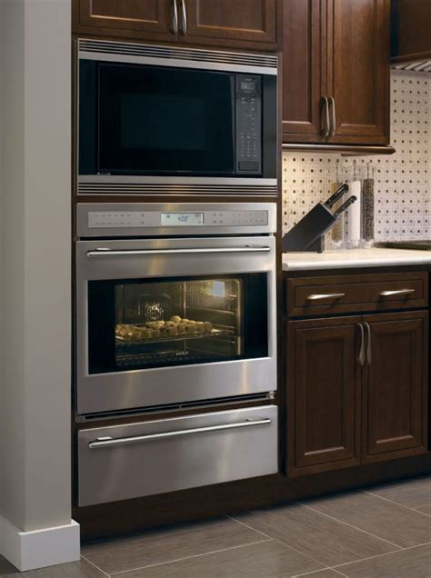 Wolf SO302USTH 30 Inch Single Electric Wall Oven with 4.5