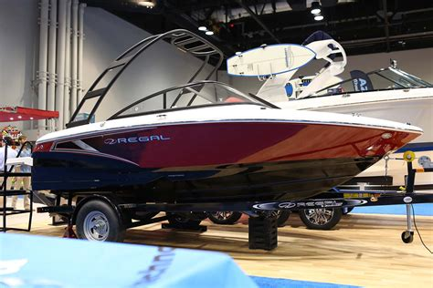 regal luxury boats surf expo regal boats 2019 alliance wakeboard