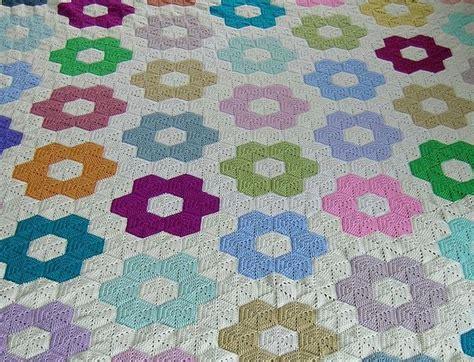 Hexagon Patchwork Blanket - 25 unique hexagon crochet ideas on hexagon