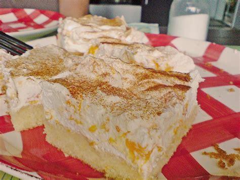 fanta schmand kuchen fanta kuchen mit pfirsich schmand auf dem blech rezepte