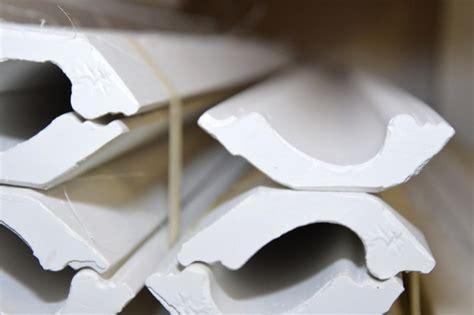 pilaster und gesimse stuck kostecki gesimse leisten ecken rosetten ringe