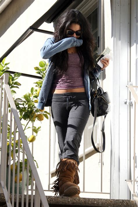 Cardy Lazzy hudgens ugg boots