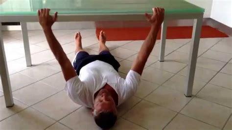 esercizi per dorsali a casa come allenare i dorsali