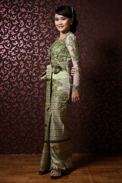 Ready Stock Gaun Pengantin Hijau Lumut Wedding Gown Baju Pengantin New amelie butikebaya kebaya hijau model bali
