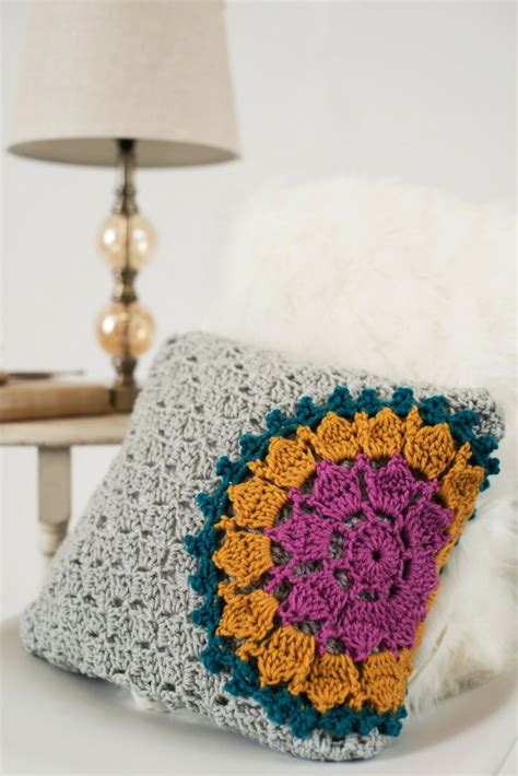 best crochet patterns best 25 crochet pillow pattern ideas on