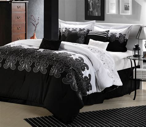 black white bedroom themes best fresh black and white and green bedroom ideas 14794