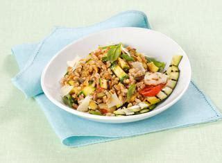 cucinare orzo e farro ricette insalata di farro e orzo le ricette di