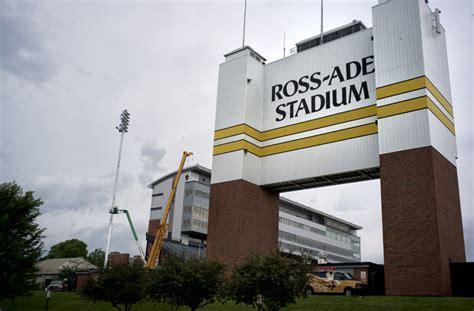 ross ade stadium lights purdueexponent org all things purdue