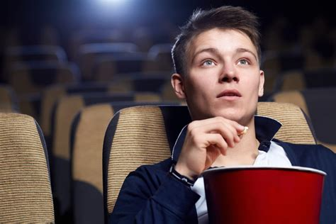 film cine a how to earn up to 300 month watching movie previews