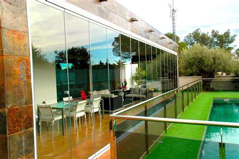 chiudere terrazzo stunning chiudere terrazza con vetro images idee