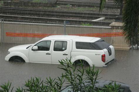Wasser Im Auto wasser im auto hochwassersch 228 den gering halten newcarz de