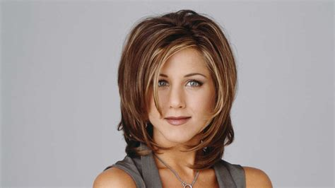 rachel greene wavy hair longtime colorist shares rachel green s hair color formula