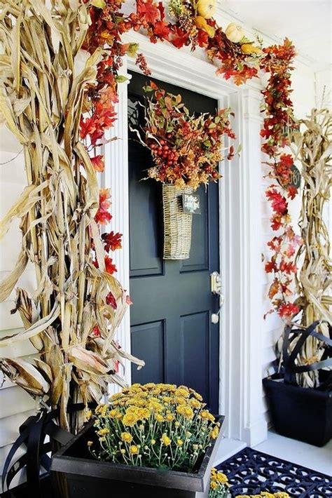 how to decorate your front door get into the seasonal spirit 15 fall front door d 233 cor ideas