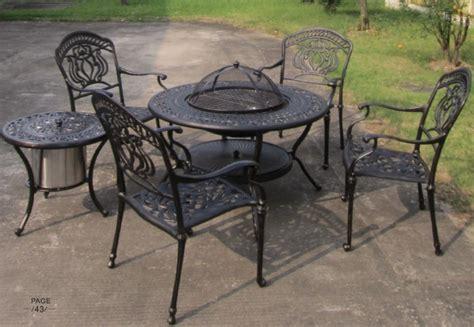 Used Patio Table by Utilis 233 En Plein Air Meubles De Jardin Importation Plein