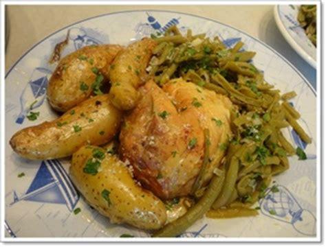 cuisiner poulet au four poulet au four et rattes aux 233 pices recette iterroir