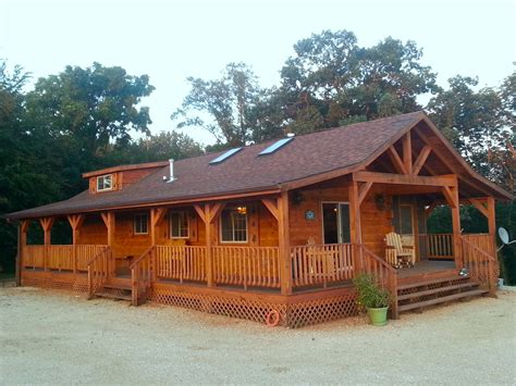 burr oak log cabin for rent in ne iowa iowa cabin rentals