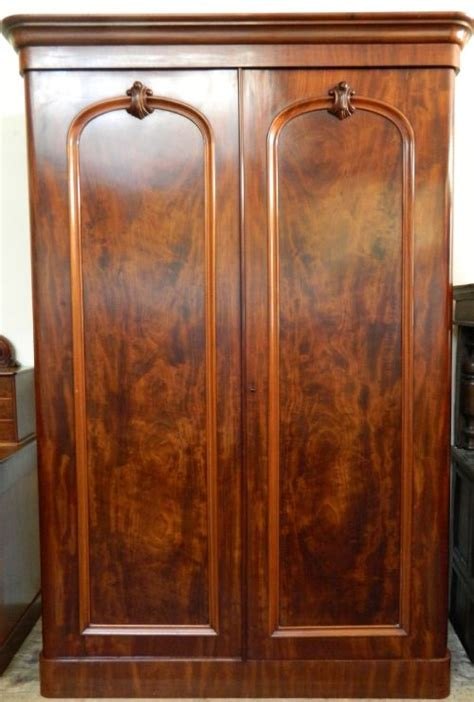 mahogany bedroom suite mahogany bedroom suite 230675 sellingantiques co uk