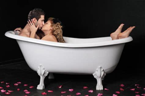 Paar Badewanne by Die Besten Stellungen Zum Schwanger Werden