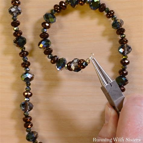 how to make chain jewelry learn to make jewelry beautiful easy beaded necklace