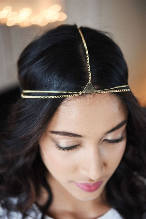 accessories for a wedding guest