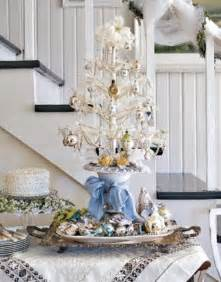 33 exciting silver and white tree decorations