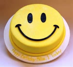 smiley kuchen themed cakes birthday cakes wedding cakes smily themed
