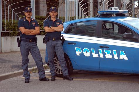 polizia di stato squadra volante minorenni scippatori seriali sgominati dalla polizia