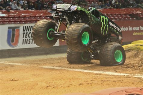 monster truck show birmingham birmingham alabama monster jam january 6 2012