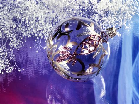 Desktop Decorations by Wallpapers New Year Decorations