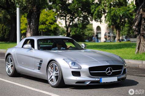themes for windows 7 mercedes benz 2017 mercedes benz sls amg roadster theme for windows 7