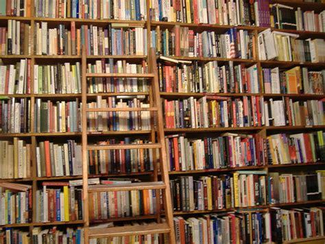 q es estante para libros 3 historias sobre libros y bibliotecas gt poemas del alma