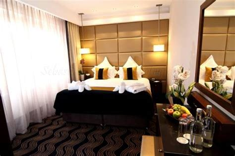 london hotel with jacuzzi in bedroom london hotels with hot tub in bedroom memsaheb net