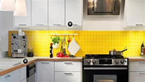 17 light filled modern kitchens by mal corboy 22 yellow accent kitchens that really shine
