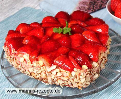 kuchen kleine herzform erdbeer herz torte mamas rezepte mit bild und